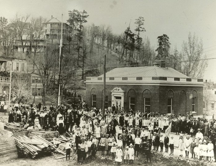 Eureka Springs Post Office 1918